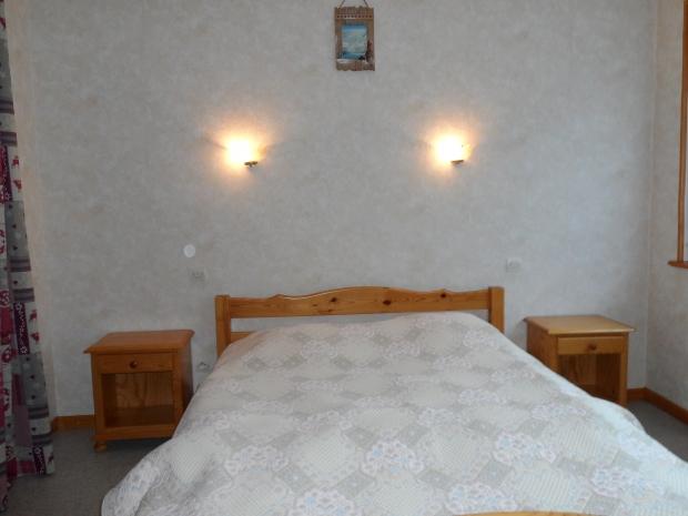 Chambre avec un lit de 140*190